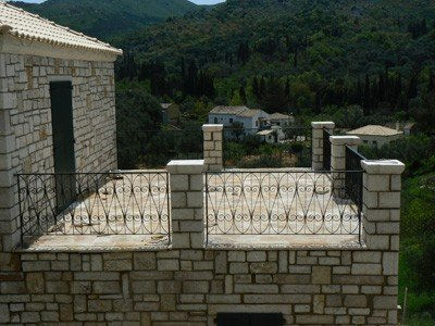 Traditional stone villa in 'Loutses' with nice panoramic view, holiday rental in Ágios Ilías