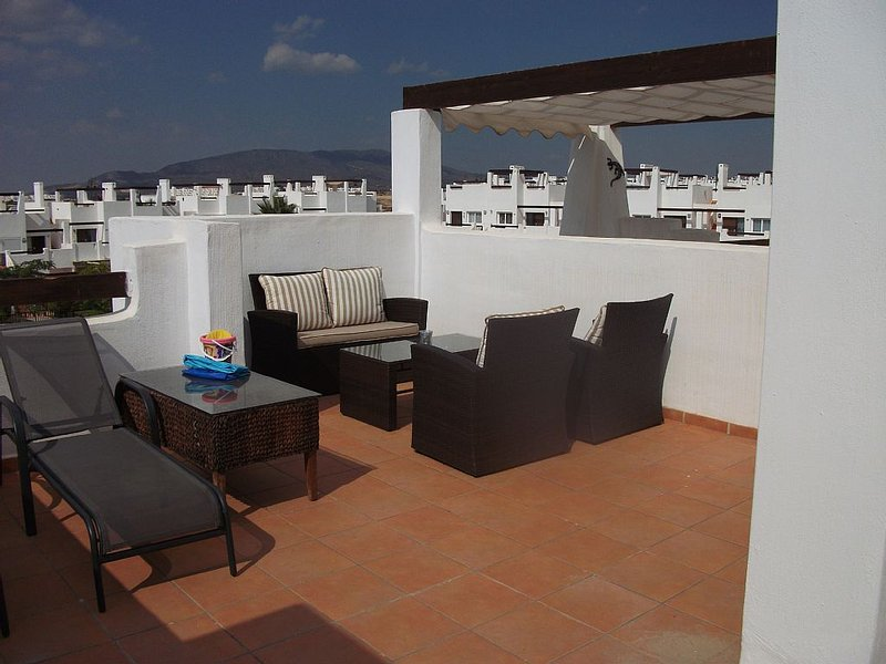 Stunning Apartment With Large Roof Terrace, alquiler de vacaciones en Alhama de Murcia