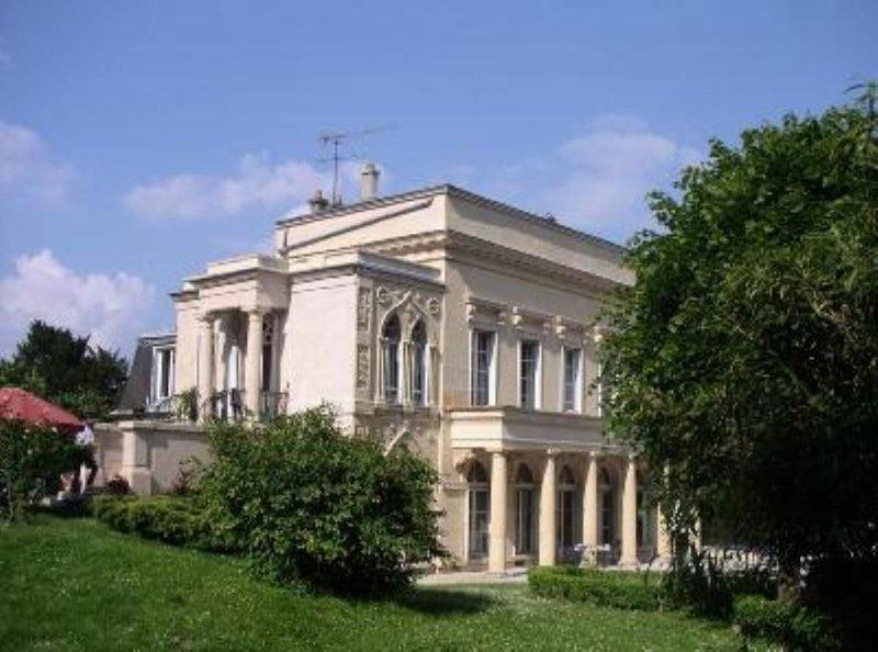 Magnifique maison au pays de Van Gogh, location de vacances à Baillet-en-France
