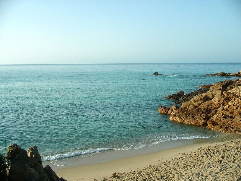 SPECTACULAR VILLA ON THE SEA OF CHIA, casa vacanza a Domus de Maria