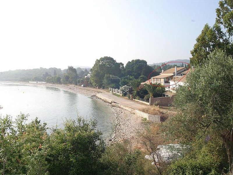 Beach House Christina Set Right On The Beach With Superb Views Out To Sea, holiday rental in Avlaki