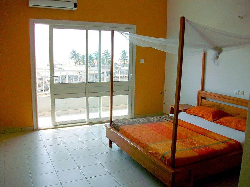 COTONOU FIDJROSSE : Studio 1 dans Résidence VUE SUR MER, holiday rental in Ouidah