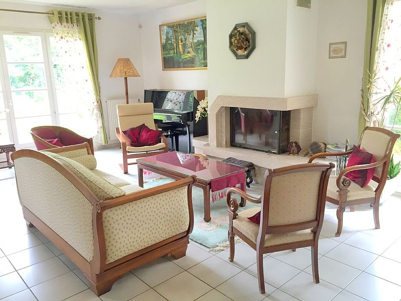 1700 sqft house near Disneyland, ideal for families!, alquiler vacacional en Vaires-sur-Marne