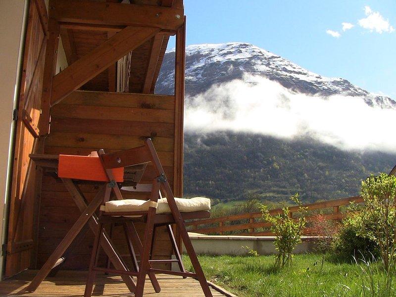 Casa adosada de nueva construcción, holiday rental in Viscos
