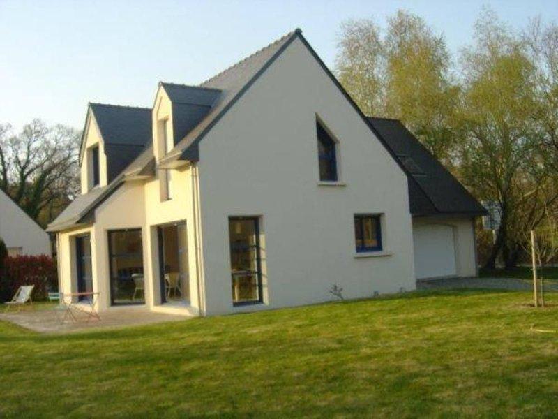 maison proche de la mer, du port de plaisance, du golf, casa vacanza a La Foret-Fouesnant