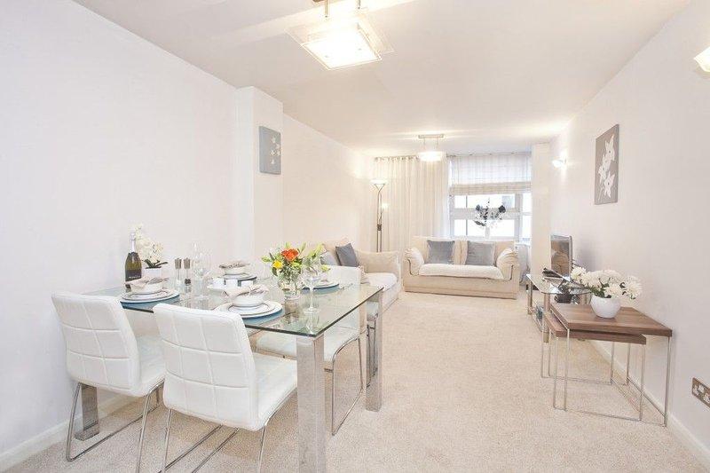 215 Westgate, York, YO26 4ZF. 1 bedroom apartment, holiday rental in Nether Poppleton