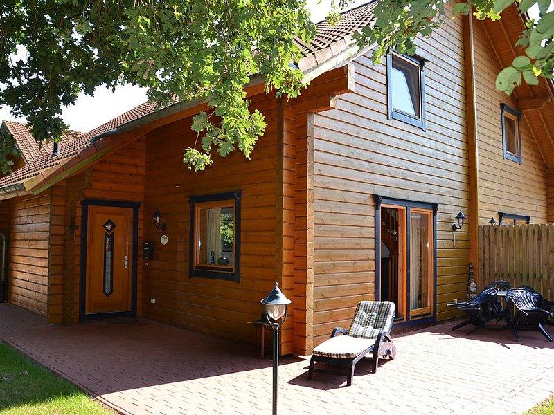 Ferien mit eigener Sauna und zwei Bädern für maximal vier Erwachsene, holiday rental in Westoverledingen