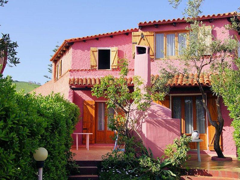 Ferienwohnung am Meer - ideal f. Familien und Gruppen - wenige Schritte zum Meer, holiday rental in La Ciaccia