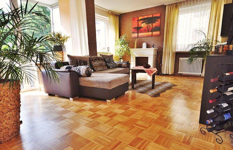 Bad Harzburg mit Bergpanorama - WLAN gratis, holiday rental in Veltheim