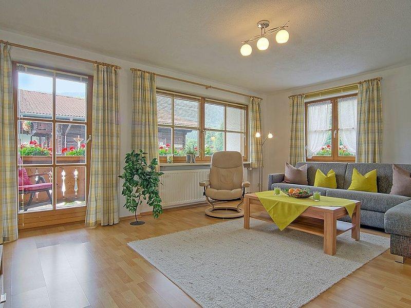 Schöne Ferienwohnung - 63 m2 -  ruhige Lage und doch zentral - WLAN, vakantiewoning in Hallein