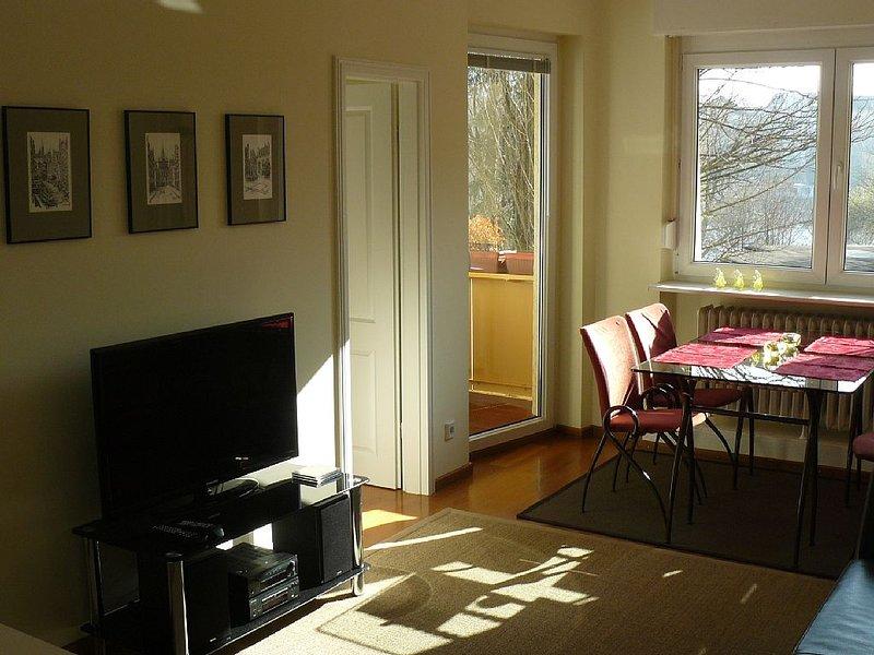 Direkt am Lietzensee gelegenes gepflegtes Apartment mitten in der Westcity, holiday rental in Kleinmachnow