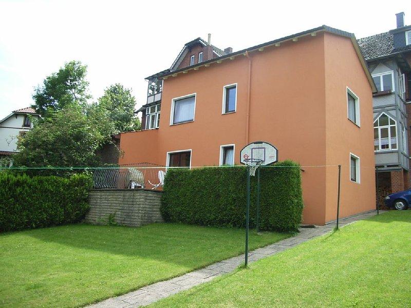 Zentral und ruhig gelegenes Ferienhaus. *** Sterne, holiday rental in Heessen