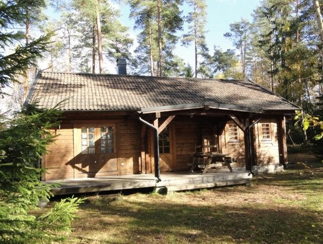 Cabin for 4 + 2 persons, 80m2 in the woods between 2 lakes, holiday rental in Markaryd