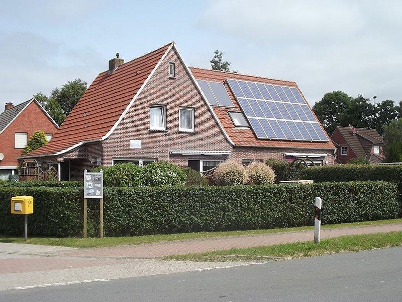 Ferienhaus für bis zu 8 Personen und eingezäuntem Garten , Hunde willkommen., location de vacances à Grossheide