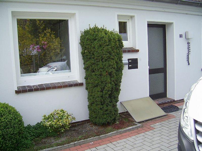 Zentrale,ruhig gelegene Ferienwohnung, Nähe Bahnhof, Meer, Einkaufzentrum, vacation rental in Bad Zwischenahn