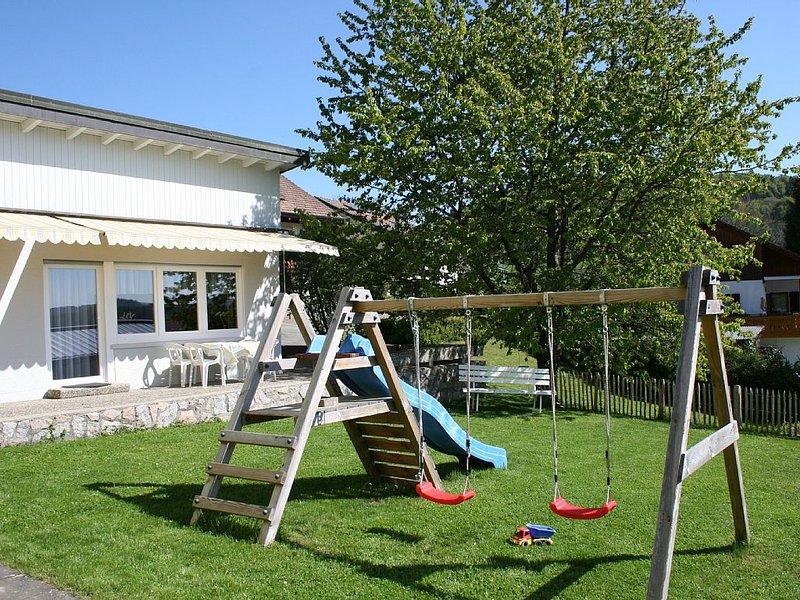 Tolle Lage - viele Ausflugsziele - familienfreundliche Ferienwohnung, holiday rental in Neuhausen am Rheinfall