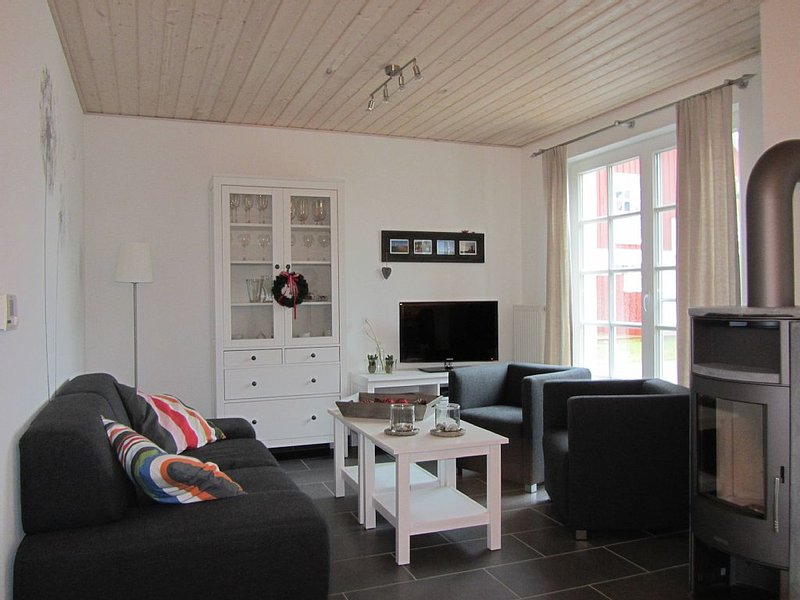 Luxuriöse Ferienwohnung in Top Lage in Greetsiel mit eigenem Whirlpool und Kamin, aluguéis de temporada em Uttum