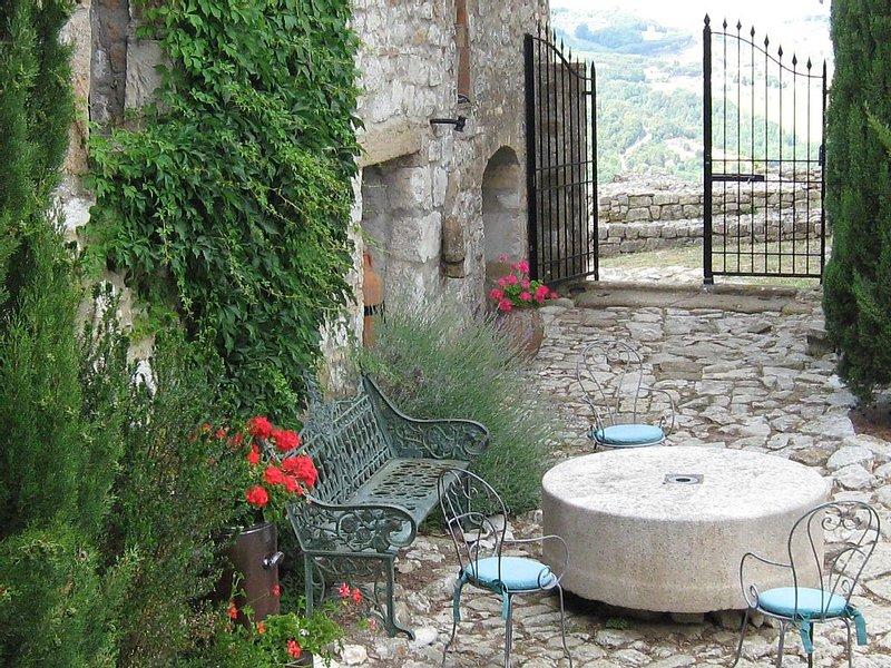 Abschalten in historischem Ambiente Naehe San Gimignano, holiday rental in Gambassi Terme