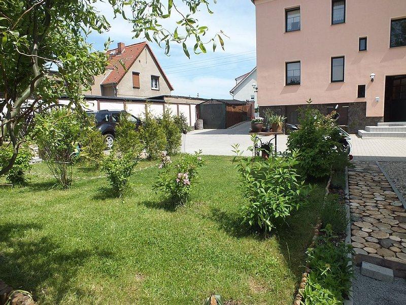 Komfortable 95 qm Ferienwohnung in Leipzig - Schkeuditz - Dölzig, location de vacances à Halle