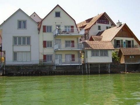 4* Luxus-Apartment (4 1/2 Zimmer) mit Panoramabalkon, Seezugang und Sauna, holiday rental in Steckborn