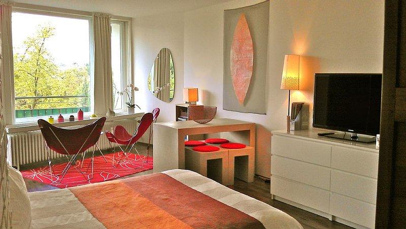 Hübsches Apartment im Künstlerviertel in Düsseldorf City, holiday rental in Düsseldorf