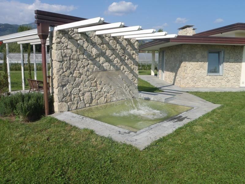 Neu Villa mit Pool und grossem Garten im Strandnähe., aluguéis de temporada em Camaiore