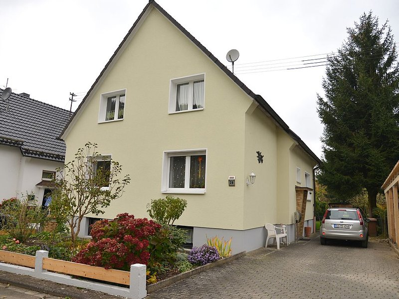 Idyllic bright apartment close to the victory trail, holiday rental in Reichshof
