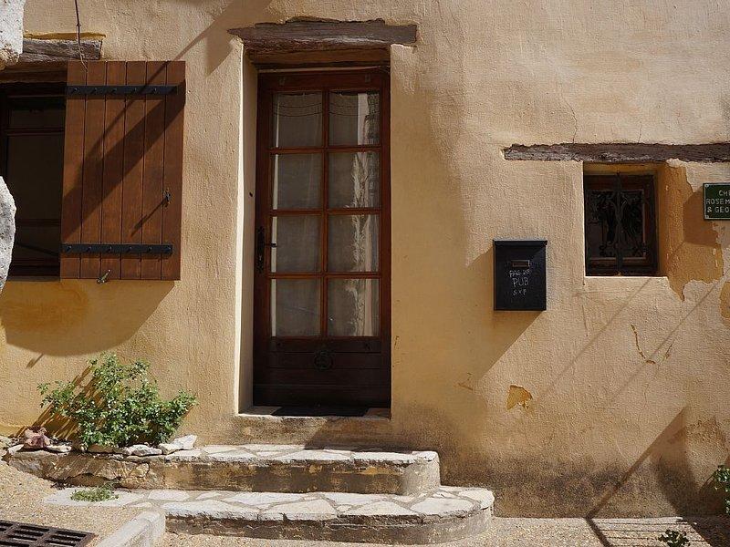 Gemütliches Ferienhaus mitten im beschaulichen Saint-Saturnin-lès-Apt, aluguéis de temporada em Saint-Saturnin-les-Apt