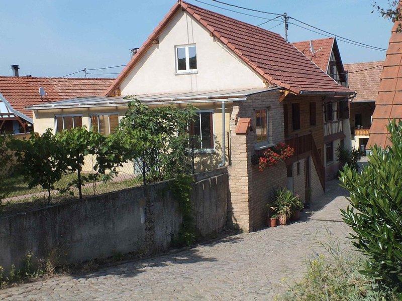 Ferienwohnung auf dem Bauernhof, sehr ruhige Lage, familienfreundlich., holiday rental in Dahlenheim