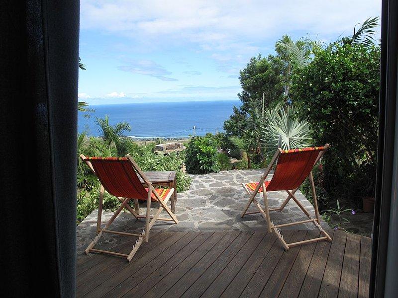Villa de vacances avec vue panoramique sur l'océan indien, holiday rental in Piton Saint-Leu