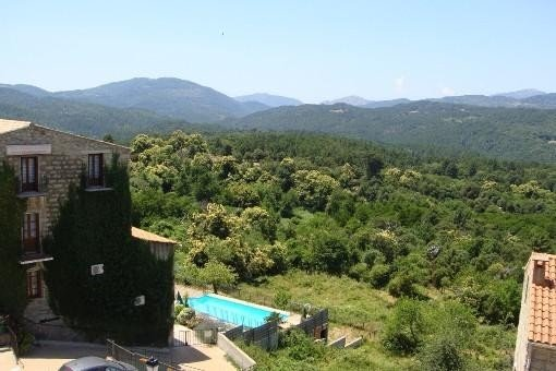 Appartement Duplex Zonza, vacation rental in Zonza