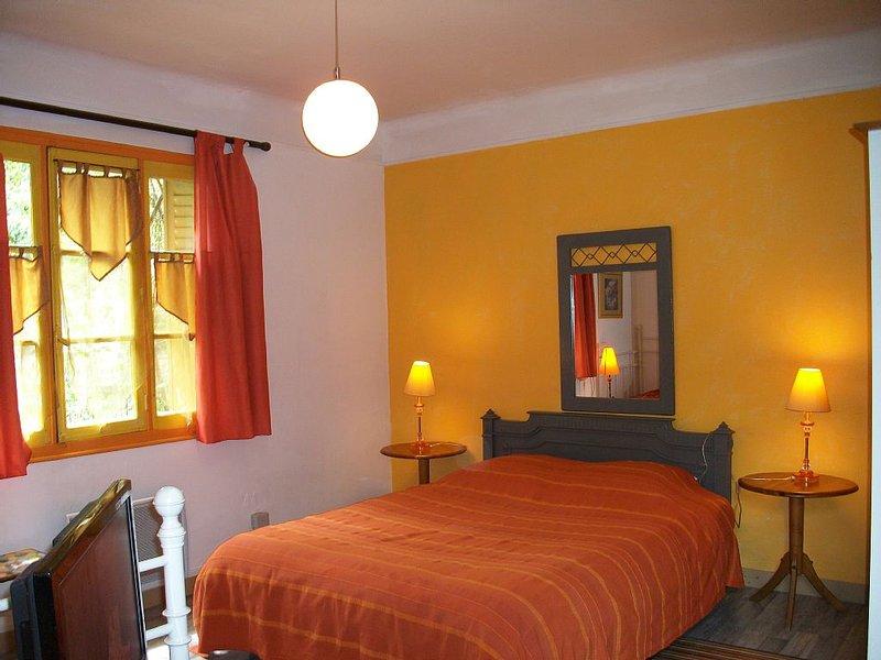 petite maison pleine de charme, location de vacances à Eure-et-Loir