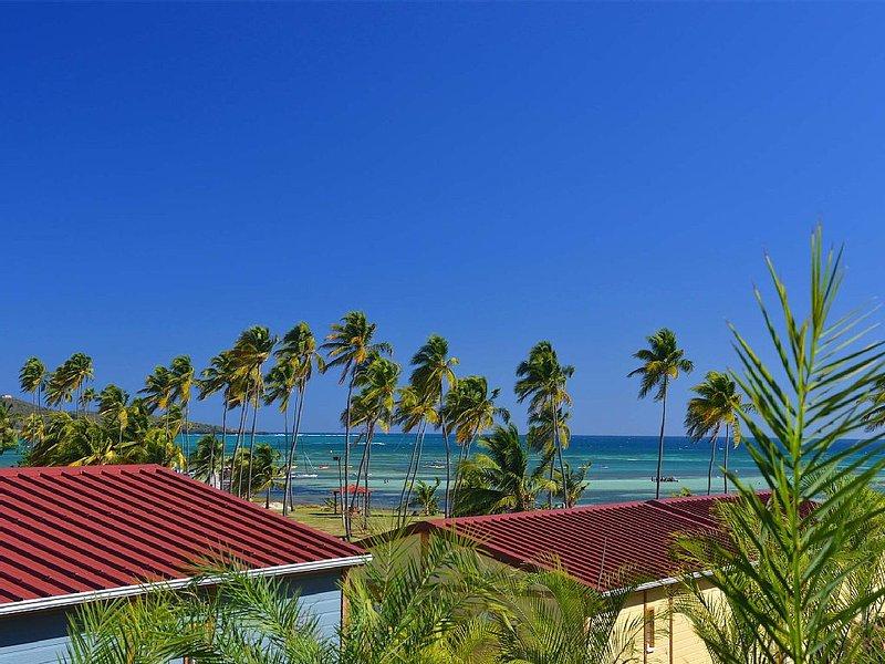 Pers- Pool COTTAGE 6 200 m2, Beach Lagoon - International Spot KITESURF, holiday rental in Le Vauclin
