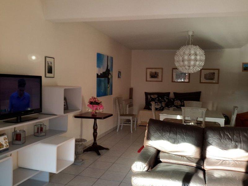 Grand Duplex T3 100 m² pour 6 personnes, holiday rental in Capbreton