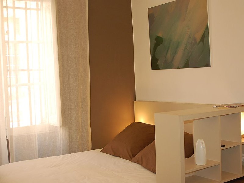 Luxury studio in the historic centre of Aix-en-Pr, vacation rental in Aix-en-Provence