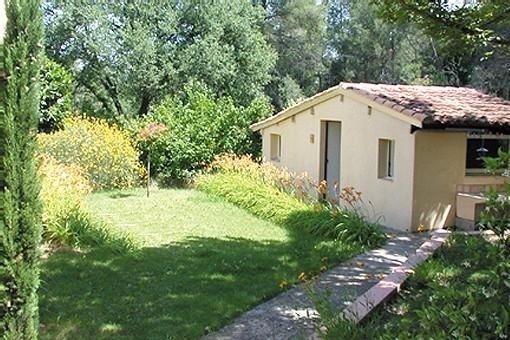 Gîte Petit bastidon avec piscine proche d'Aix en Provence, vacation rental in Peynier