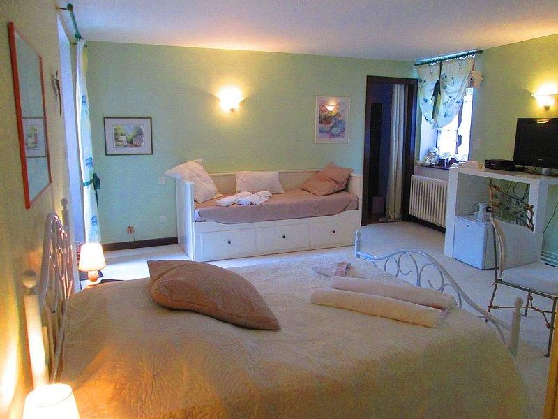 Chambre d'Hôtes familiale - 10 mn Metz Centre, holiday rental in Kedange-sur-Canner