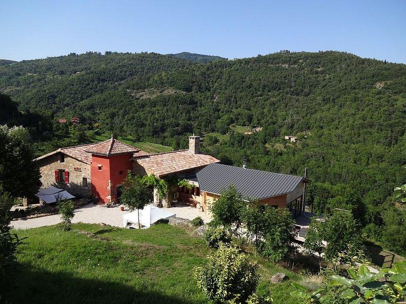 Gîte 'Le Tilleul' à Fontbonne - Nozières 07270, holiday rental in Saint-Prix