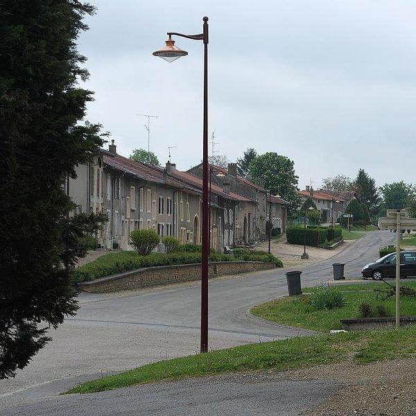 LOCATION FRANCE MEUSE LORAINE VACANCES A LA MAISON DE LA FERME, vacation rental in Le Chesne