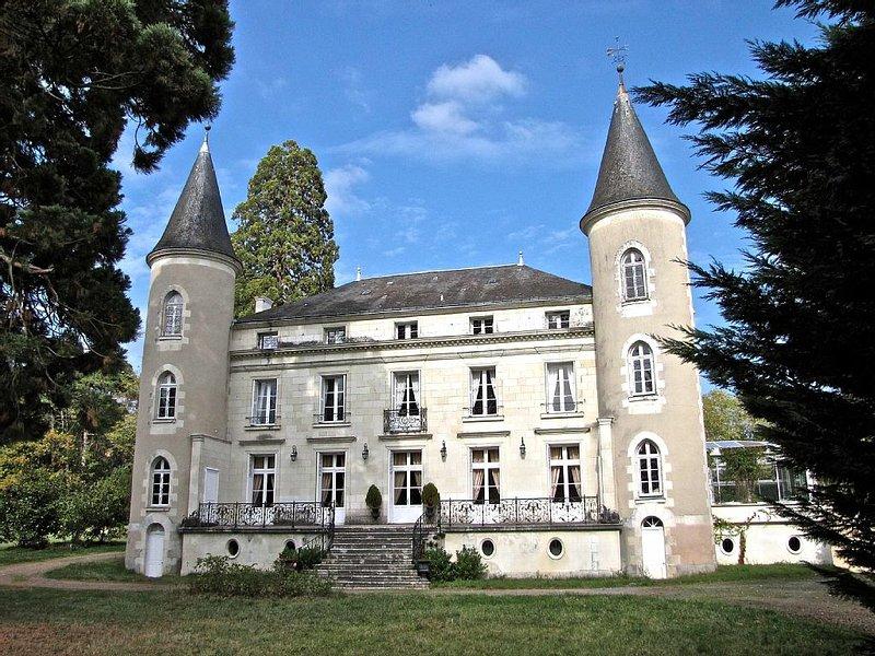 Suite Familiale Chaumont ( 4 Personnes ) / CHATEAU LES VALLEES en TOURAINE, location de vacances à Vicq-sur-Gartempe