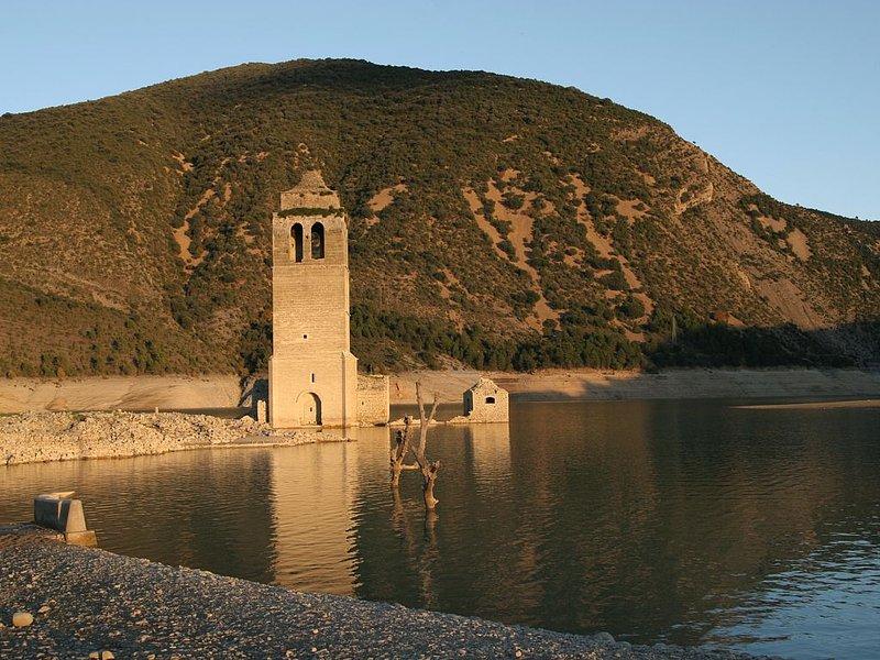 Eglise de Mediano sous les eaux