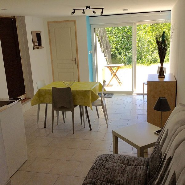 Furnished Holiday Studio, holiday rental in Prades