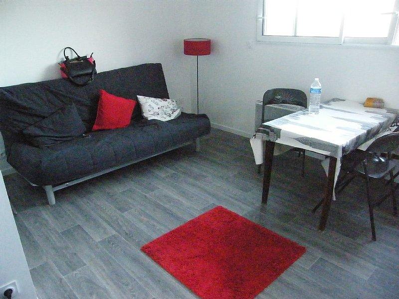 Studio dans Baie de St Brieuc, vacation rental in Hillion