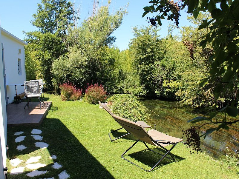 House beside the River, casa vacanza a L'Isle-sur-la-Sorgue