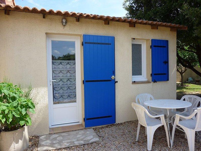 2 people Studio conditioned and comfortable, location de vacances à Vidauban