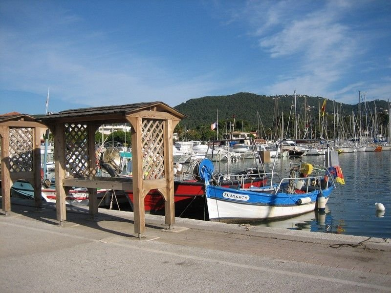 A 5 MINUTES A PIED DES PLAGES, holiday rental in Carqueiranne