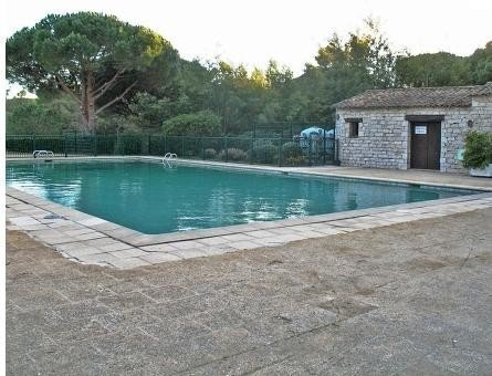 Petite villa avec terrasse et jardin, vacation rental in Cogolin