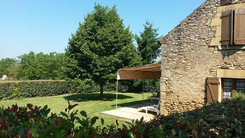 Gîte isolé à la campagne situé entre Cahors dans le lot  et Sarlat en Dordogne, location de vacances à Cassagnes