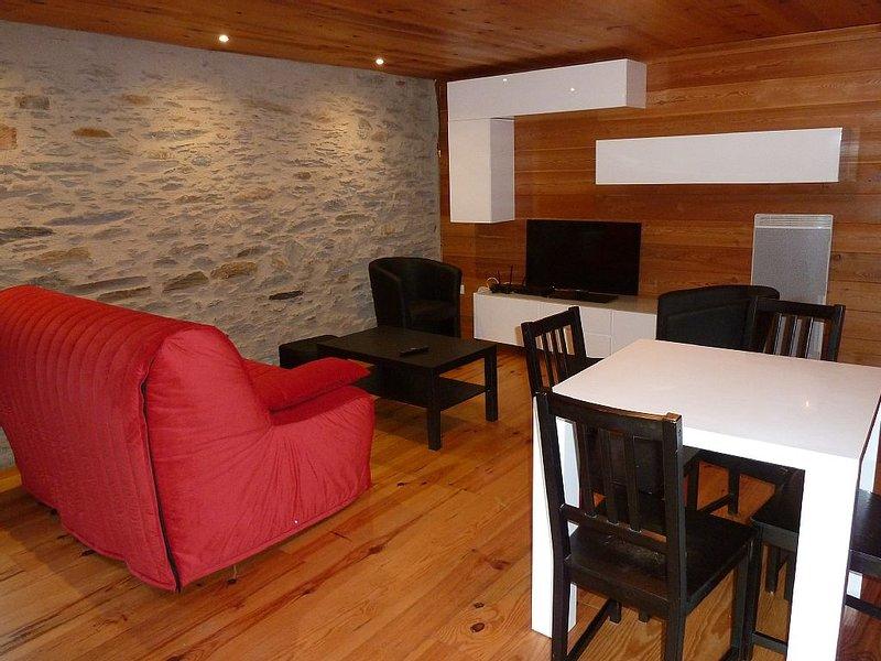 gîte de charme.  50m2 entièrement rénové pour 4 personnes au calme, casa vacanza a Tramezaigues