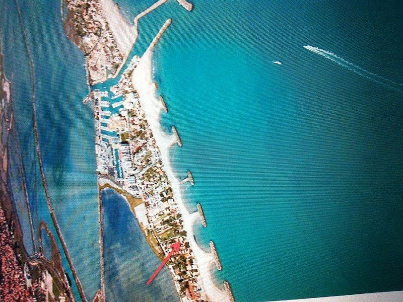 2 pièces avec terrasse, au calme  à 20 m de la belle plage de Frontignan Plage❤️, location de vacances à Frontignan